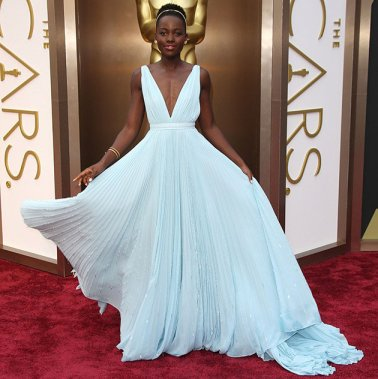 Lupita-Nyongo-back-dress-oscars
